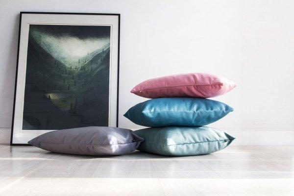 Velvet różowa poduszka dekoracyjna 50x30