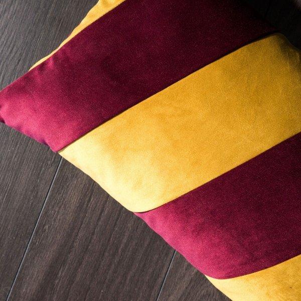 Stripes bordowo złota poduszka dekoracyjna 50x30