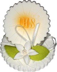 Hostia stojąca z kwiatem - dekoracja cukrowa na tort