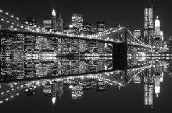 Fototapeta do sypialni - New York (Brooklyn Bridge night BW) - 175x115 cm