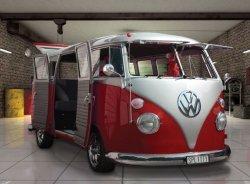 Fototapeta ścienna - Vw Volkswagen Red Camper Van - 315x232 cm