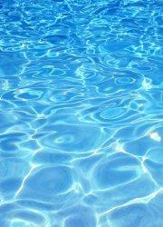 Fototapeta - Błękitna woda - 183x254 cm