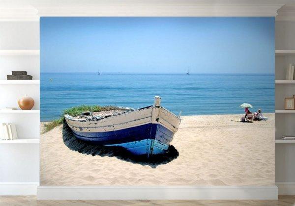 Fototapeta Stara łódź na plaży - Fototapety na ścianę sklep decoart24
