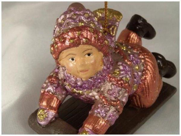 Ozdoba choinkowa - Dziecko z sankami - 8,5cm - (6szt w opakowaniu)