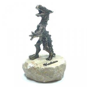 Smok duzy na kamieniu granitowym