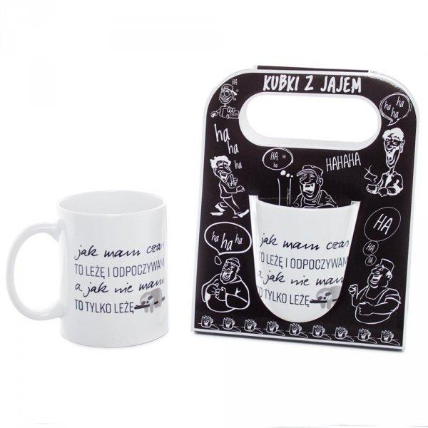Kubek ceramiczny z napisem 'Jak mam czas to leżę i odpoczywam...' , w ozdobnym czarnym opakowaniu